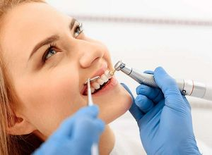 dentista clareamento dental
